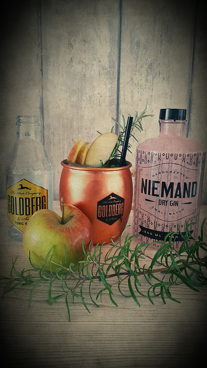 niemand dry gin gin and tonic. Black Bedroom Furniture Sets. Home Design Ideas